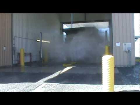 camiones mineros - Este es un lavador para camiones y otros equipos mineros automatico fabricado por InterClean Equipment en Estados Unidos. Este sistema permite reducir el tie...