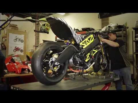 brammo - www.parker.com/racing www.parker.com/hev Parker Hannifin spotlights electric motorcycle manufacture, Brammo Inc. Brammo discusses how they started with Parke...