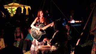 Video Meluzína - Cica mica live at Letná slávnosť na Kačíne 2014