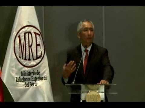 Lima 2013 Blog -- Peru's Housing Minister René Cornejo