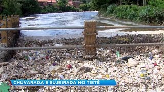 Chuva carrega sujeira da capital e muda cenário do Rio Tietê em Salto