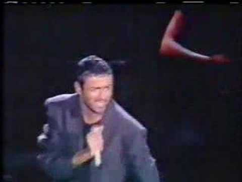 Tekst piosenki George Michael - Fame po polsku