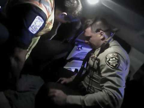 Policías matan brutalmente a un hombre esposado con un 'táser' en EE.UU.
