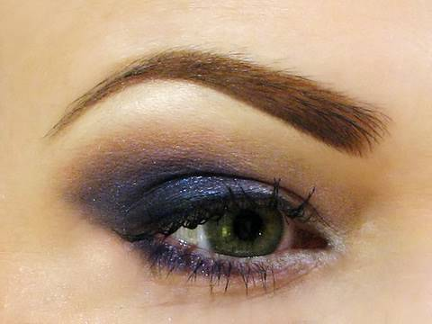 eyebrows - List of all products used on my website: http://www.misschievous.tv/2010/04/perfect-arches-eyebrow-tutorial.html Daily updates on Twitter: http://twitter.com...