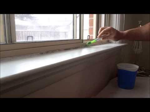 Πως να καθαρίσετε τη μούχλα από τη σιλικόνη από τις μπαλκονόπορτες και τα παράθυρα