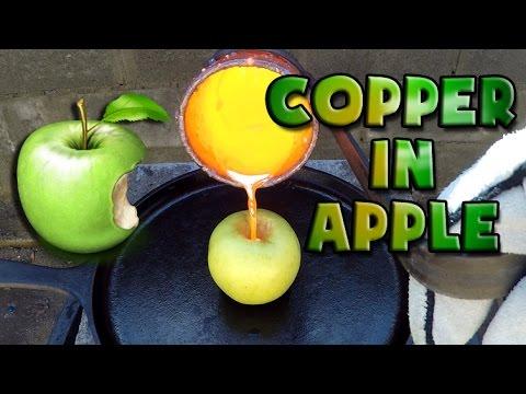 攝氏1000度的熱熔銅倒入去核的蘋果中場景讓大家都傻眼了
