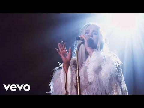 Kesha - Praying (Live from Honda Stage at Hollywood Palladium)