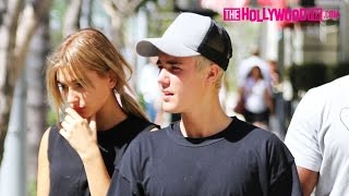 Download Video Justin Bieber & Hailey Baldwin Go For An Afternoon Stroll In Beverly Hills 10.7.15 MP3 3GP MP4