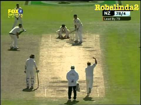 warne - Shane Warne completely bamboozles Craig McMillan, hilarious over of master leg spin bowling, its just too easy for Warnie. scorecard - http://www.espncricinf...