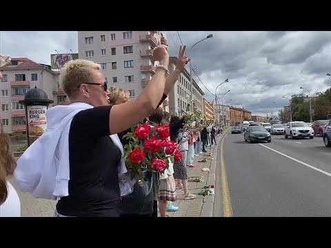Λευκορωσία: Η διαμαρτυρία των λουλουδιών