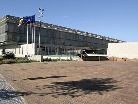 Firma de contrato con la nueva empresa adjudicataria de la plaza de toros La Malagueta
