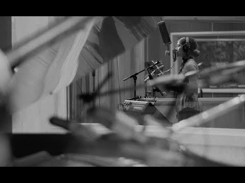 Video Lauren Daigle - Winter Wonderland download in MP3, 3GP, MP4, WEBM, AVI, FLV January 2017