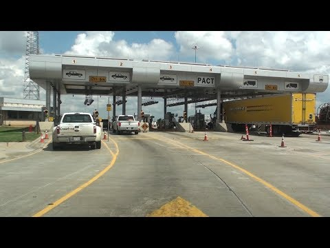 BORDER PATROL CHECKPOINT, I-35, ENCINAL, TEXAS, U.S.A.