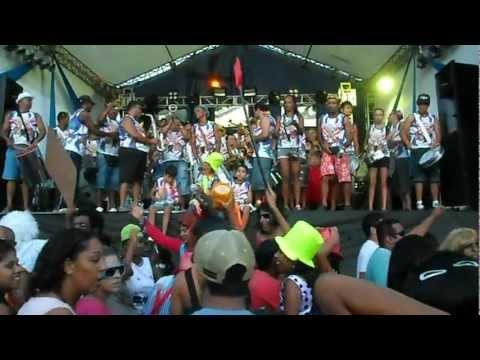 SAM_1518.AVI Carnaval em São Vicente Baldim de 2013
