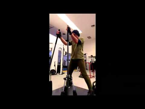 Robert - Here's a 30 second Avengers 2 workout with Robert Downey Jr, shot with the HTC Zoe feature.