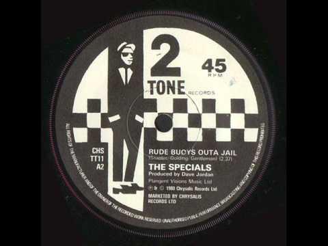 Tekst piosenki The Specials - Rude Boys Outta Jail po polsku