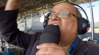 """Curtam nossa página: https://www.facebook.com/LeandroSportsVideosCréditos: Rodrigo Genta / No pedacinho que a galera gosta.CRUZEIRO SUPERA """"FANTASMA"""", VENCE O PALMEIRAS NO MINEIRÃO E ALIVIA A PRESSÃOEm casa, raposa faz 3 a 1 no verdão e volta a figurar entre as equipes que buscam vaga na Libertadores.Cruzeiro 3 x 1 Palmeiras - Narração: Osvaldo Reis Pequetito 09/07/2017FICHA TÉCNICA:CRUZEIRO 3 x 1 PALMEIRASLocal: estádio do Mineirão, em Belo Horizonte (MG)Data/Hora: 9 de julho de 2017, às 16hÁrbitro: Péricles Bassols (PE)Assistentes: Clóvis Amaral da Silva e Cleberson do Nascimento Leite (ambos de PE)Cartões amarelos: Ariel Cabral (Cruzeiro), Mayke, Willian, Dudu, Tchê Tchê (Palmeiras)Público/renda: 15.129 pagantes/R$ 387.378,00Gols: Thiago Neves, aos 31/1ºT (1-0), Hudson, aos 41/1ºT (2-0), Willian, aos 16/2ºT (2-1) e Élber, aos 46/2ºT (3-1)Cruzeiro: Fábio; Lucas Romero, Léo, Murilo Cerqueira e Diogo Barbosa; Ariel Cabral, Henrique, Hudson (Lucas Silva, aos 15/2ºT) e Thiago Neves (Élber, aos 39/2ºT); Alisson e Rafael Sóbis (Sassá, aos 29/2ºT). Técnico: Mano Menezes. Palmeiras: Fernando Prass; Mayke (Keno, no Intervalo), Mina, Luan e Egídio (Michel Bastos, aos 37/2ºT); Bruno Henrique, Tchê Tchê e Zé Roberto (Raphael Veiga, aos 32/2ºT); Dudu, Róger Guedes e Willian. Técnico: Cuca."""