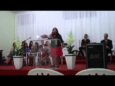 Pastora Geni - Ministrando na Assembleia de Deus em Camargo