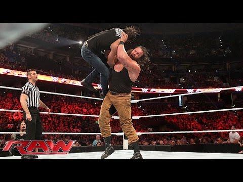 WWE පිටියේ සිදුවූ දරුණු ගැටුමක් ..........