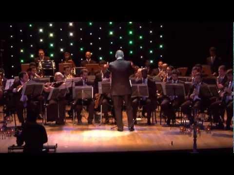 Adeste Fideles - Adriano Fiori, Coral e Corporação Musical Maestro Francisco Pau