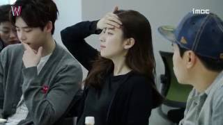 Video [Behind The Scenes_W] 이종석-한효주 남다른 케미 발산, 첫 대본 리딩현장! - W MP3, 3GP, MP4, WEBM, AVI, FLV April 2018