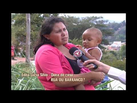 Moradores em Santa Luzia sofrem com rua sem estrutura e esgoto a céu aberto