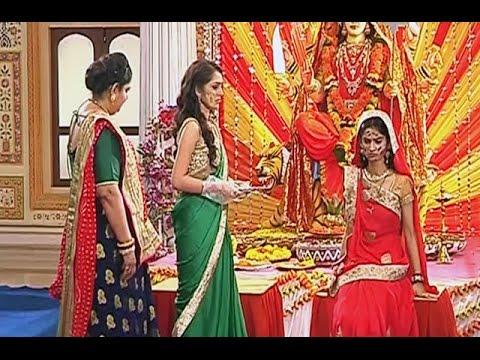 Video Saath Nibhana Saathiya | 12th Oct 2015 | Gaura SPOILS Meera & Vidya's Muh Dikhayi Rasam download in MP3, 3GP, MP4, WEBM, AVI, FLV January 2017