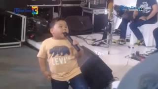 Video Lucunya Balita Ini Nyanyi Lagu Anji 'Dia' MP3, 3GP, MP4, WEBM, AVI, FLV Juli 2018