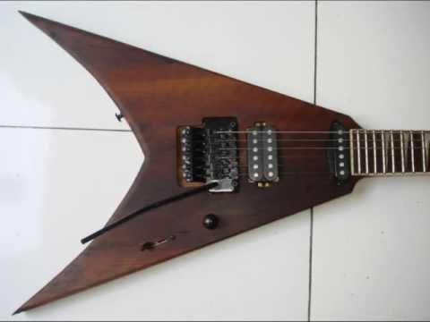 Guitarra Flying V raríssima - Corpo em Imbúia maciça
