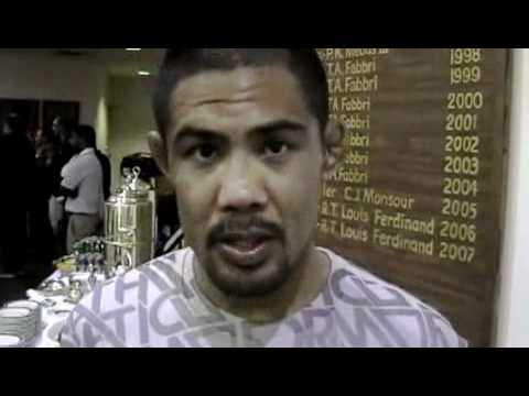 Mark Munoz Discusses UFC 123 Match Up with Aaron Simpson