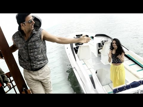 Watch Akshay Kumar Play A Prank On Yuvika Chaudhar