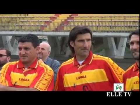 """ELLE TV - 2° edizione del """"Memorial Carmelo Imbriani"""" allo stadio """"Ciro Vigorito"""" видео"""