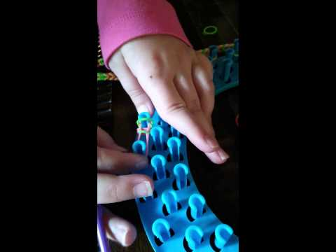 How to make a rubberband bracelet on the moon loom