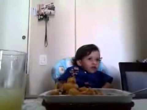 luiz-il-bimbo-che-spiega-perche-non-vuole-mangiare-gli-animali-211