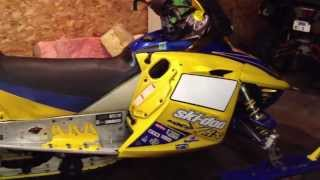 2. 2007 Ski-Doo MXZ X-RS 600 SDI Walk Around BMP can C&A skis!