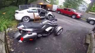 6. 2014 CAN-AM SPYDER ST LIMITED