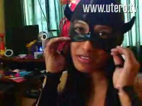 Perutops.Com - http://www.utero.tv Perutops, qué más quieren (este reportaje también se emitió en el programa Enemigos Intimos, de Frecuencia Latina). Más en http://www.ute...