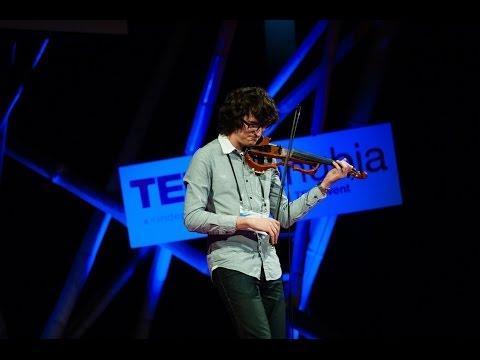 Farkas Izsák hegedűművész at TEDxDanubia 2014