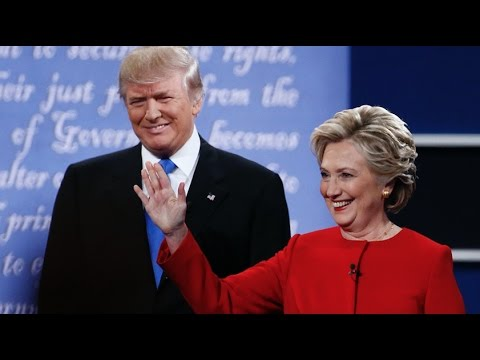 Video Watch Trump and Clinton Roast Each Other at Alfred Smith Dinner download in MP3, 3GP, MP4, WEBM, AVI, FLV January 2017