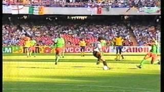 Roger Milla vs. Higuita (1990)