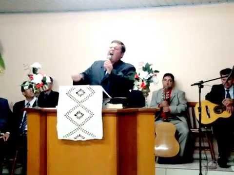 Cantor Oziel Fellipe Louvando a deus na cidade de Mato Leitão -rs