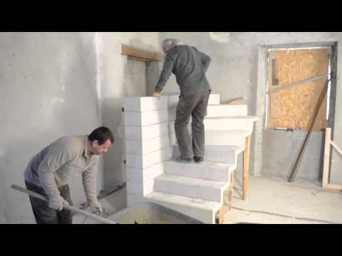 beton - Construction d'un escalier en bton  double quart tournant en kit.