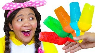 Color Song Nursery Rhymes | Learn Colors | Action Song with Mommy, Linda and Brother