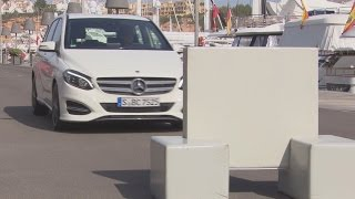 2015 Mercedes B-Class - Collision Prevention Assist demo