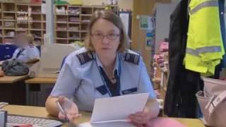 Video UK Border Force - Funniest interview ever with transgender Canadian woman MP3, 3GP, MP4, WEBM, AVI, FLV Juli 2018