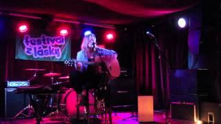 Video Dorota Ideas - Bez Teba, bez seba (live at Festival z Lásky, 7.1