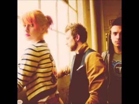 Tekst piosenki Paramore - Hello Hello po polsku