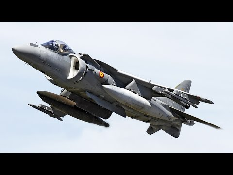 Harrier AV8B Demo Flight - Farnborough...