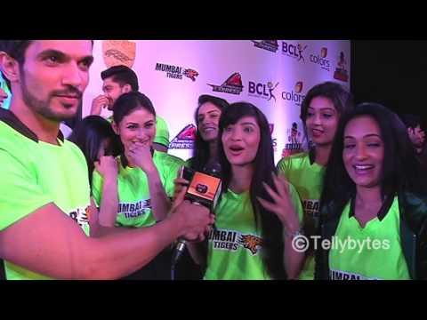 Arjun Bijlani with his Mumbai Tigers team