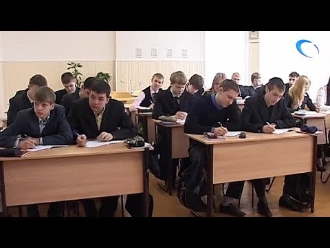Депутаты Госдумы предлагают добавить школьникам еще один год обучения
